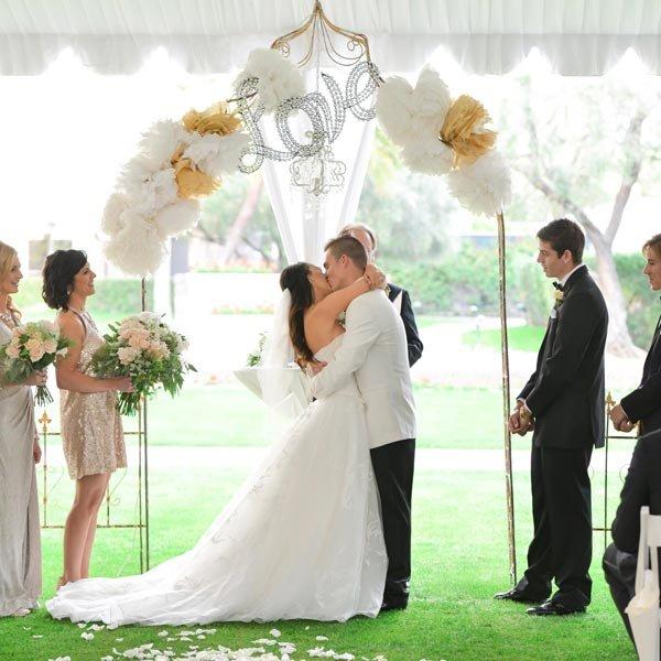 35 Budget Friendly Ceremony Decor Ideas In 2020 Wedding Wedding Ceremony Romantic Garden Wedding