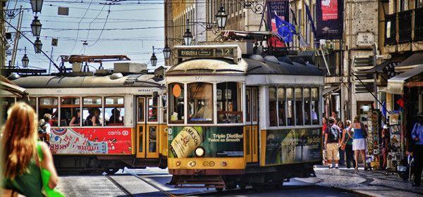 Bliv væk blandt Lissabons mange museer, kulørte markeder og charmerende stræder - Med ophold på det luksuriøse Corinthia Hotel! | Take Offer Main