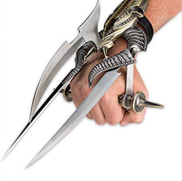 9 More Crazy Weapons: Alien Spiked Tri-Blade Hand Claw