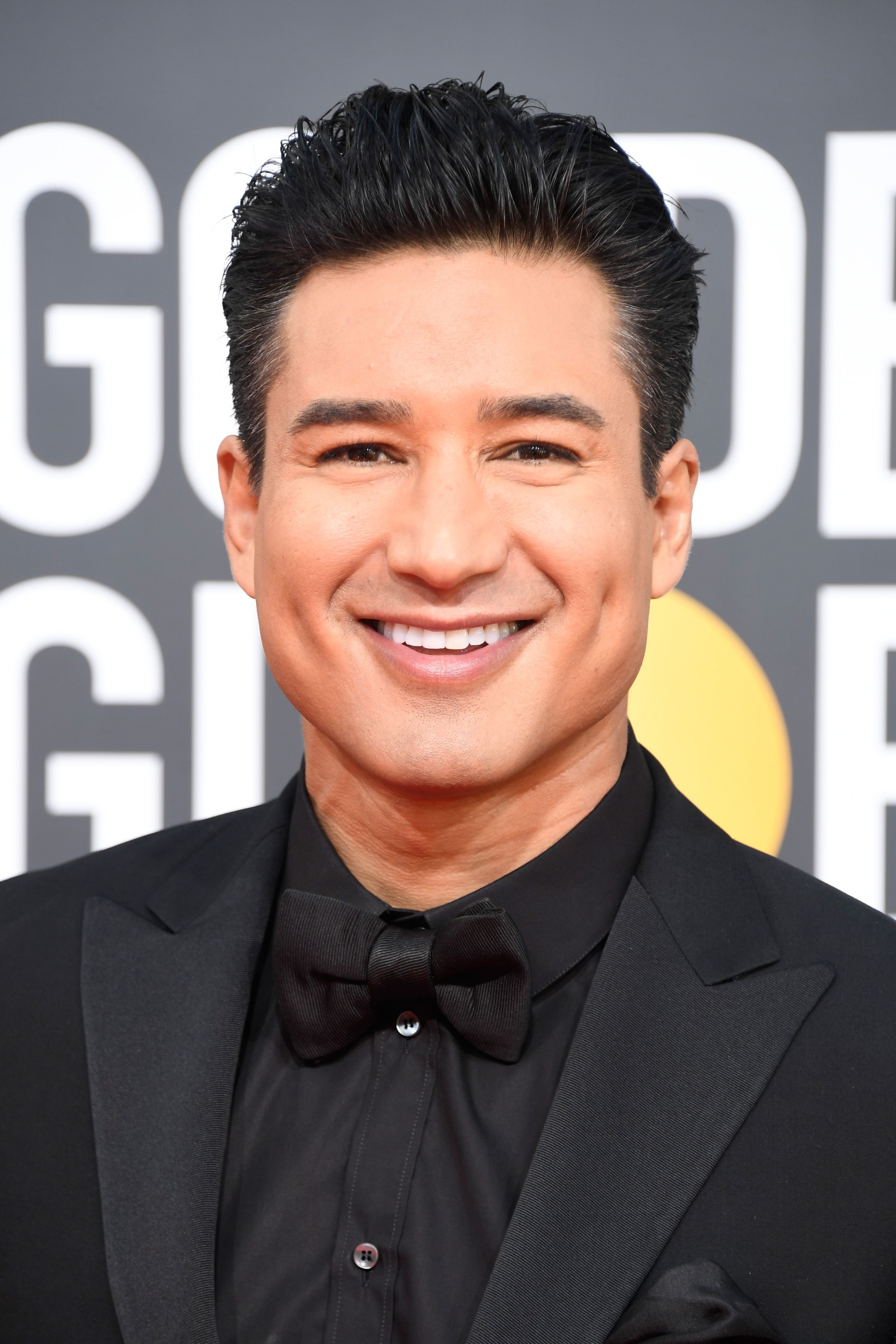 Mario Lopez Starred In The Series Saved By The Bell There Was A Cast Reunion Where They All Met Up For Dinner Last Wee Saved By The Bell It Cast Mario