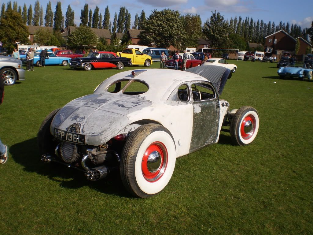 IMO this car shows the difference between a true Volksrod and a Beetle with an extended front beam.            Build thread  http://www.volkszone.com/VZi/showthread.php?t=602822  I absolutlely love