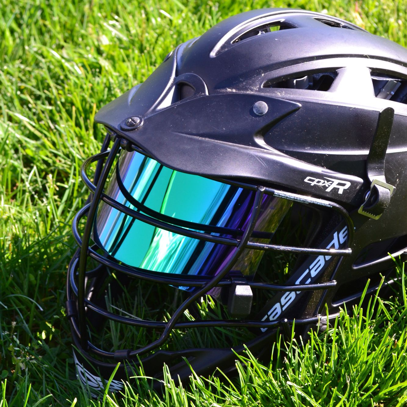 Great Looking Shot Of A Shoc Visor In A Cascade R Lacrosse Helmet Www Shocvisor Com Football Helmets Lacrosse Helmet Visor
