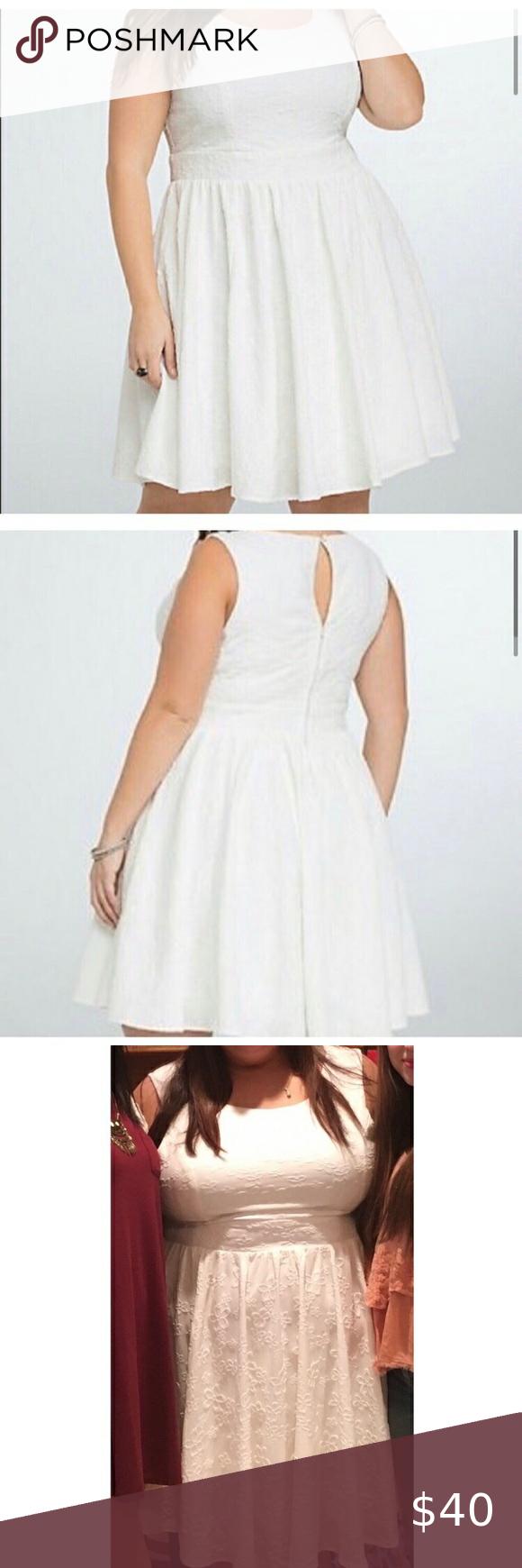 Torrid White Floral Skater Dress In 2020 Floral Skater Dress Torrid Dresses Skirt Fashion