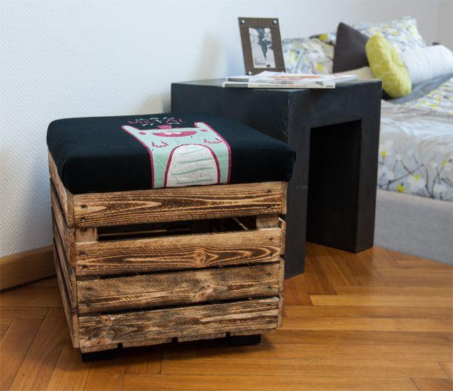 upcycling hocker aus obstkiste aus einer obstkiste und einem alten t shirt kannst du dir einen. Black Bedroom Furniture Sets. Home Design Ideas