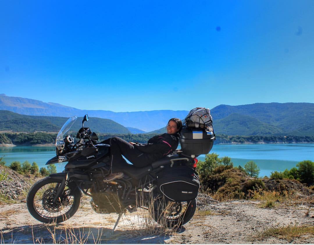 いいね!123件、コメント2件 ― Adventure Rider 🏍さん(@tiger.expedition)のInstagramアカウント: 「🔙 Throwback Thursday 🔙 • • #tbt #throwback #summer #nature #girl #sun #lake #travel #adventure…」