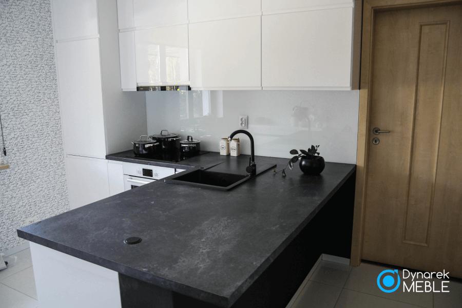 Blat Kuchenny Laminowany Firmy Kronospan O Symbolu 3079 Rs Czarny Oxide Kitchen Kitchen Cabinets Home Decor