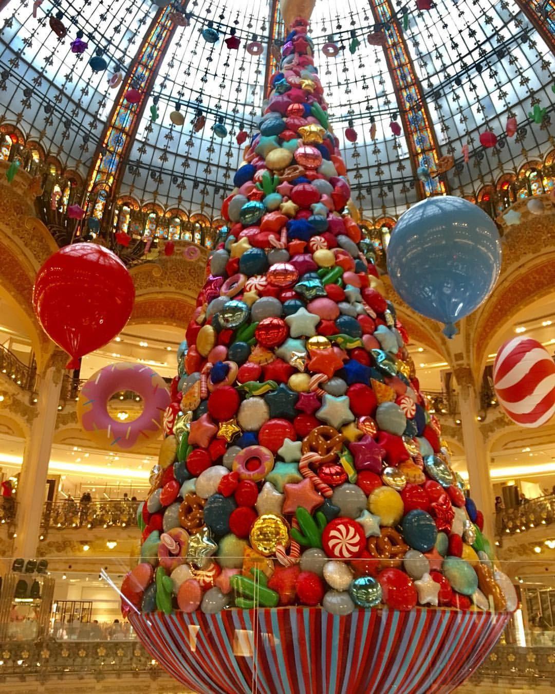 Galeries Lafayette Paris France The Sweet Christmas Tree Photo By Mariko Pinned By Ton Van Der Veer Christmas In Paris Christmas Diy Christmas Storage