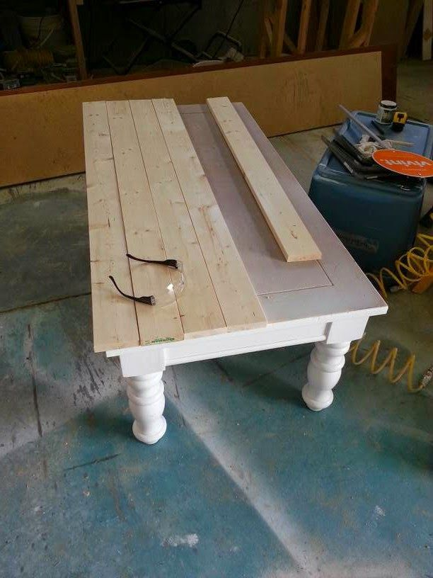 Nifty Thrifty Momma: Farmhouse Style Coffee Table #farmhousediningroom