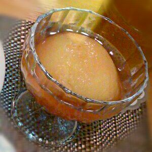 お砂糖、レモン汁、白ワインで煮るだけ。缶詰めよりお上品なお味です。 - 3件のもぐもぐ - 桃のコンポート♪ by えみたん