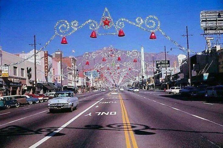Van Nuys Blvd 1958 Americana Vintage Roadside