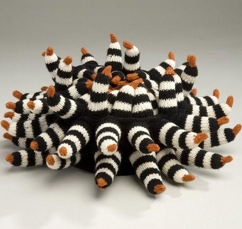 'nest egg' - knitted wool sculpture by Zoë Landau Konson (30x30x15cm)