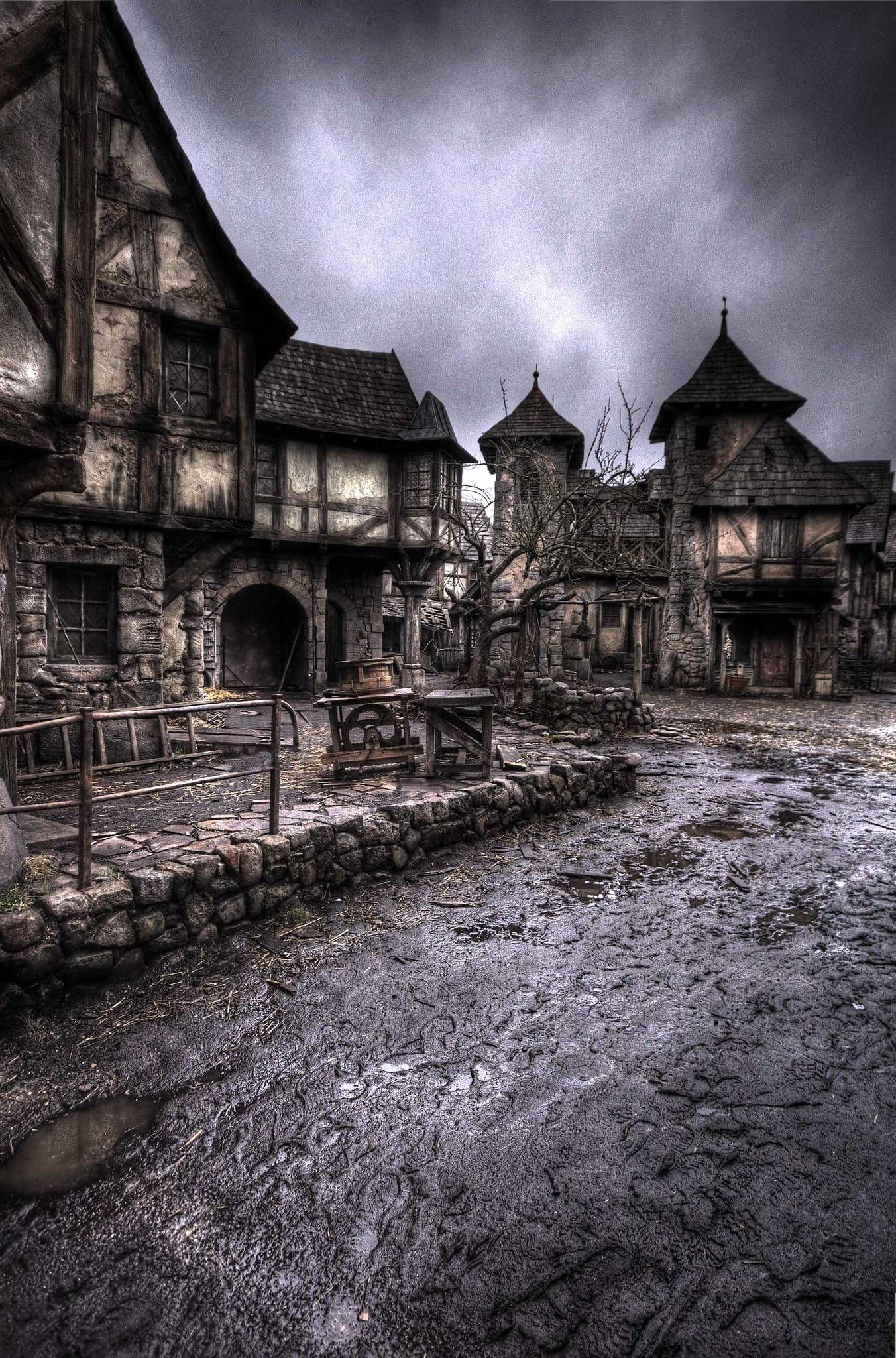 Αποτέλεσμα εικόνας για Hansel and Gretel abandoned  set