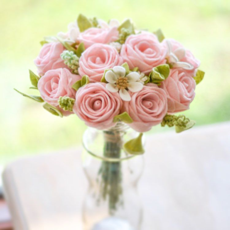 A Dozen Roses For Your Bae These Young Pink Roses Were Made 100