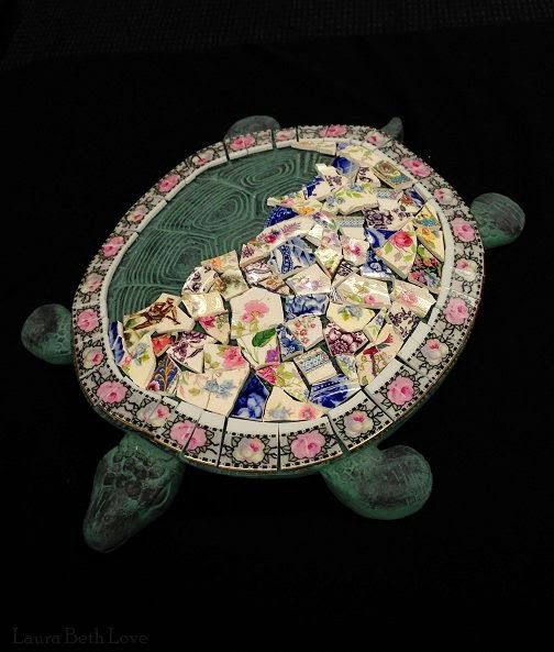 Dishfunctional Designs: Broken China Mosaic Turtle Stepping Stone