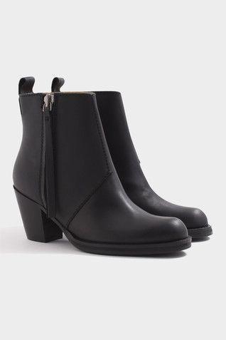 FleaingFrance Brocante Society Acne Boots tumblr style @Roxanne Boers