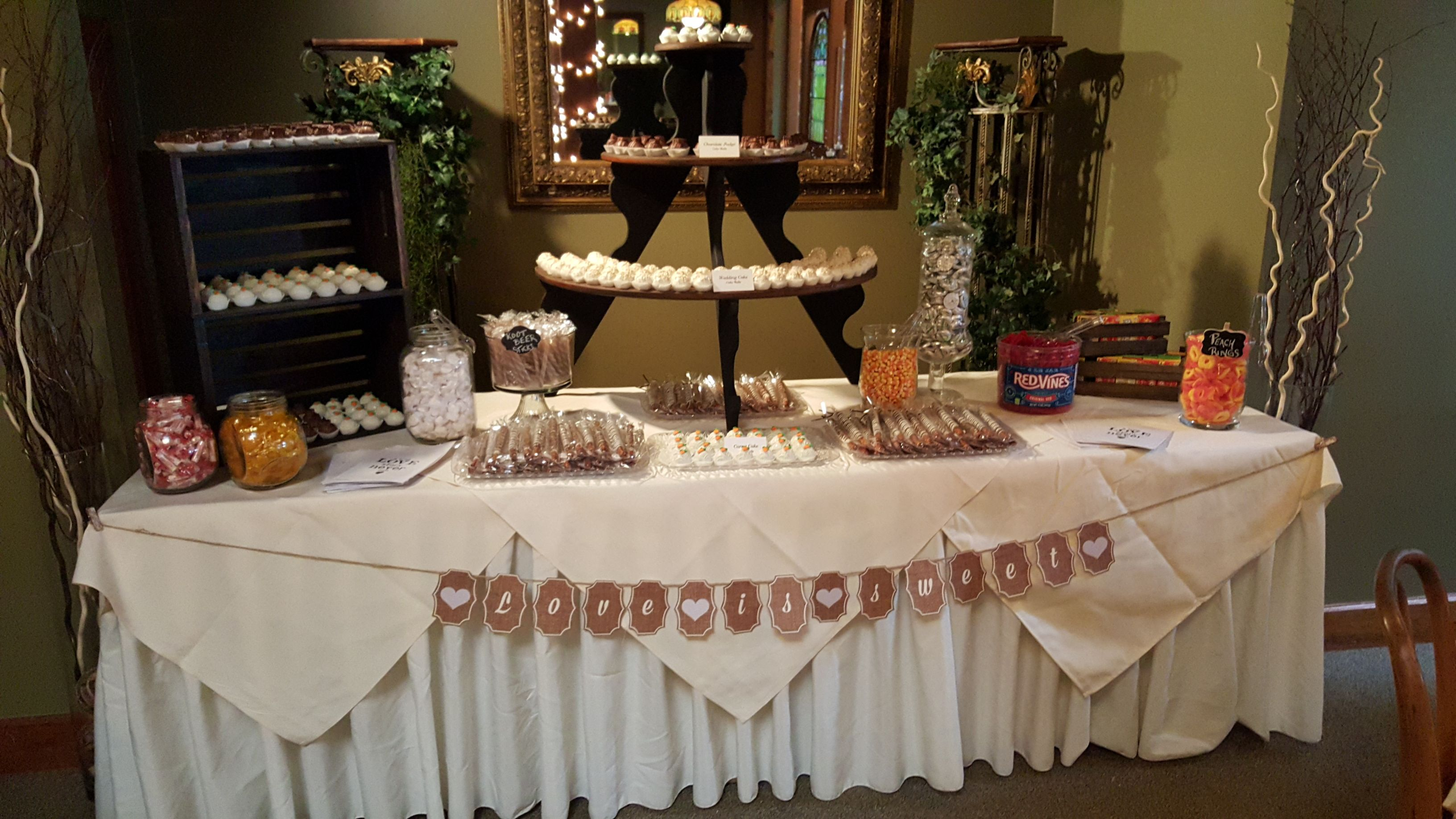 This bride and groom opted out of the traditional wedding cake and