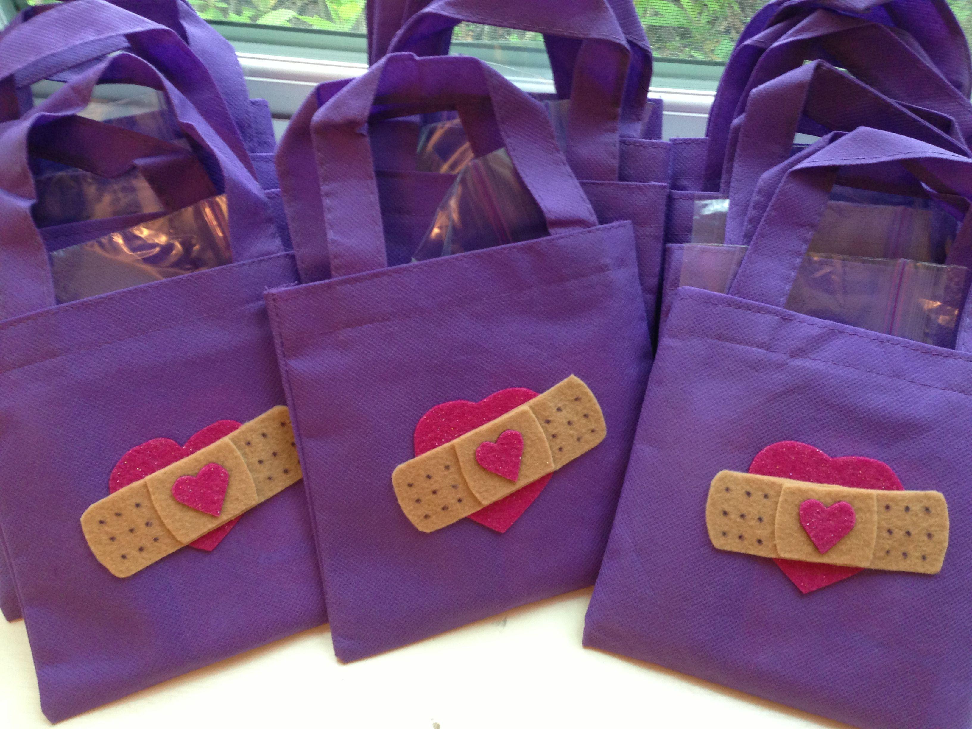 Doc mcstuffins bandages doc mcstuffins party ideas on pinterest doc - Doctor Bags Felt Band Aids On Mini Treat Bags Doc Mcstuffins