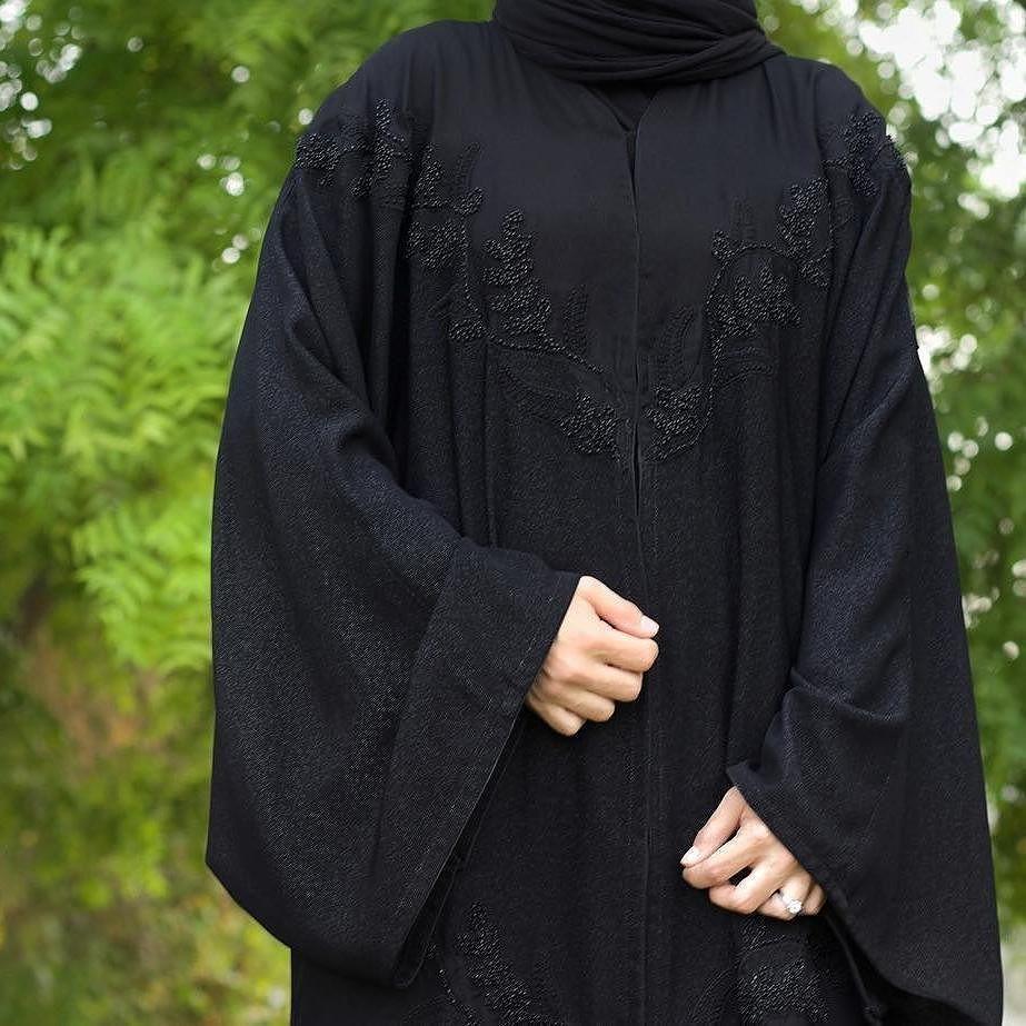 Shared By Subhan Abayas Like Share Tag Repost To Share Your Abaya Design Follow Us In Snapchat Instagram Faceboo Abaya Designs Abaya Fashion Burqa Designs