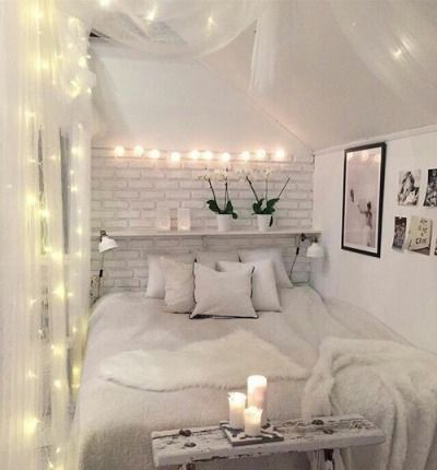Aesthetic Fairy Lights   Bedroom Inspiration   CozyDecorShop.com #décorationmaisoncocooning