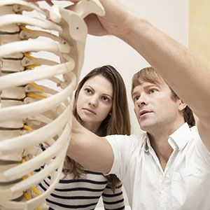 The Pros And Cons Of Using A Chiropractor Part 3 - Easy Health Options™