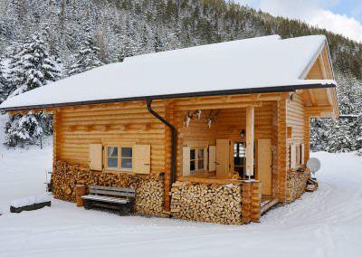 Jagdhütte und Berghütte, 21cm Stammstärke Urlaub in 2019