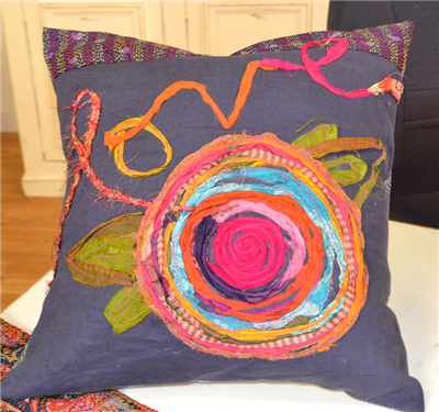 Episode 1403-3: Carrie Bloomston-Love pillow | Carrie, Pillows and ... : quilting daily - Adamdwight.com