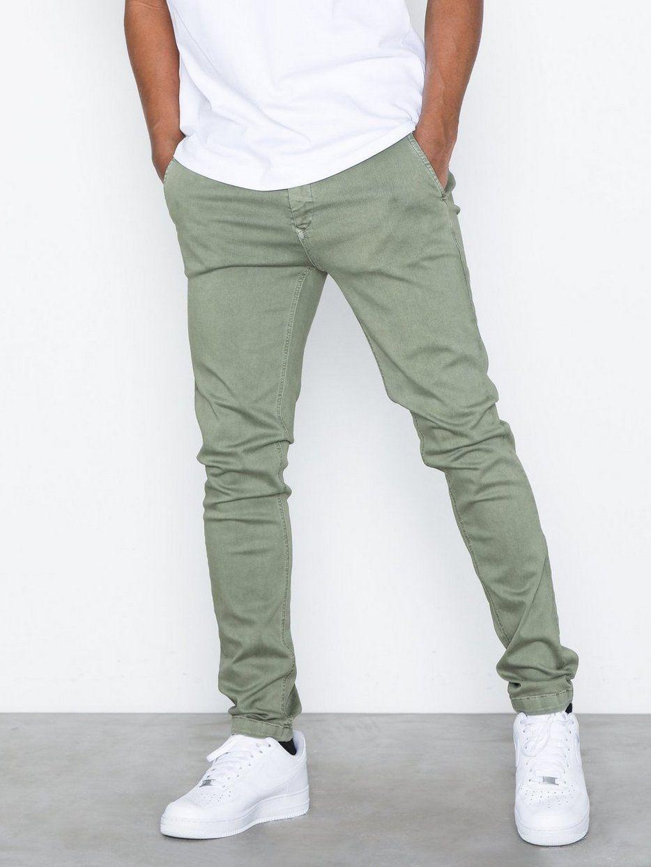 How To Wear Sage Green Menswear Dapper Confidential Mens Pants Fashion Mens Pants Fashion Casual Pants Outfit Men [ 1244 x 934 Pixel ]