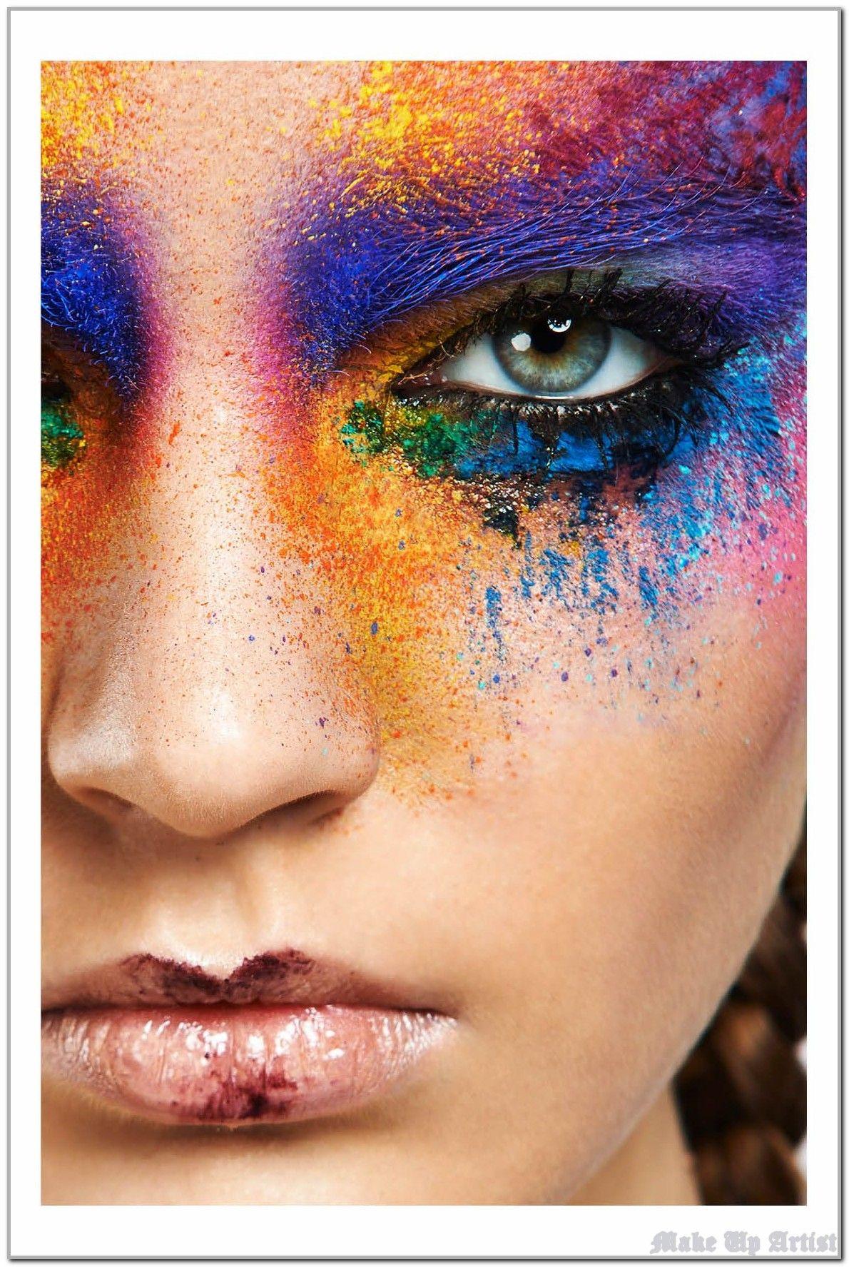 Using 7 Make Up Artist Strategies Like The Pros