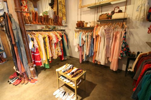Clothing Heaven Vintage Clothing Display Vintage Clothes Shop Vintage Shops