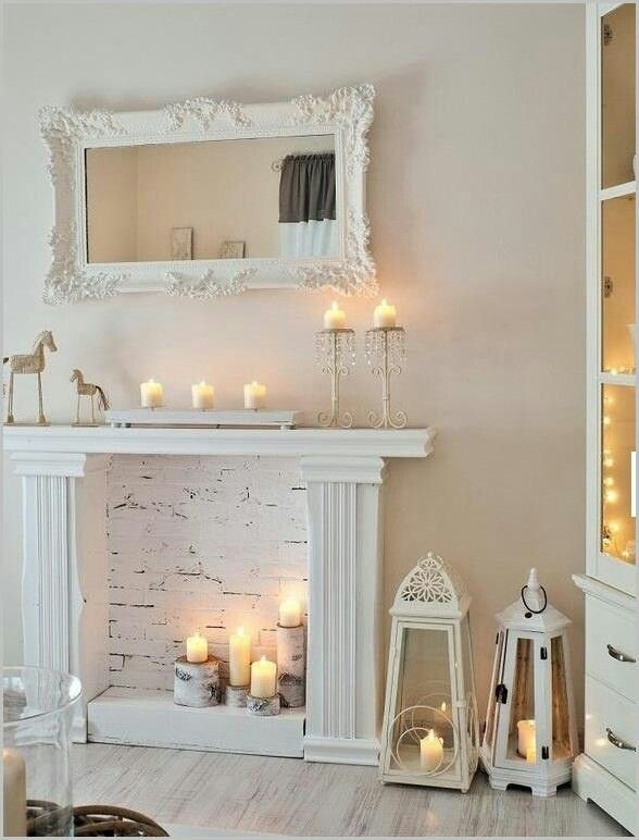 Décoration Shabby Chic White wash brick, White fireplace and Mantle