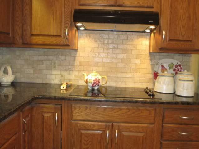 Kitchen backsplash idea-like simplicity | Home kitchens ... on Kitchen Backsplash Ideas For Black Granite Countertops  id=49752