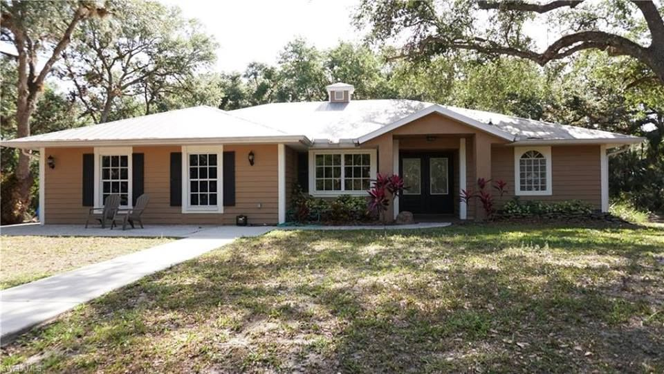 5 ACRES IN NORTH FORT MYERS!!! Main Home plus detached