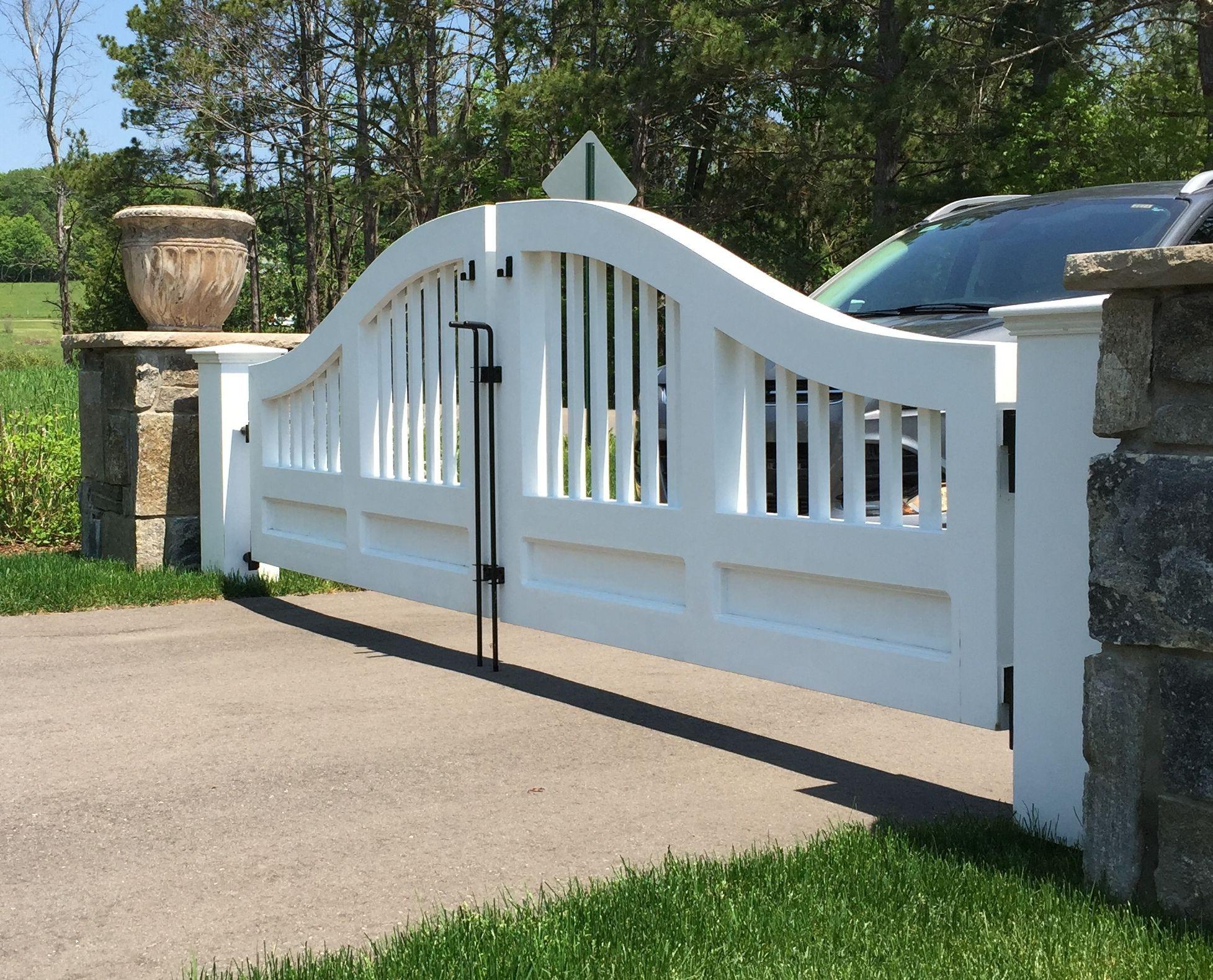 Sag Harbor Convex Cedar Driveway Gate By New England