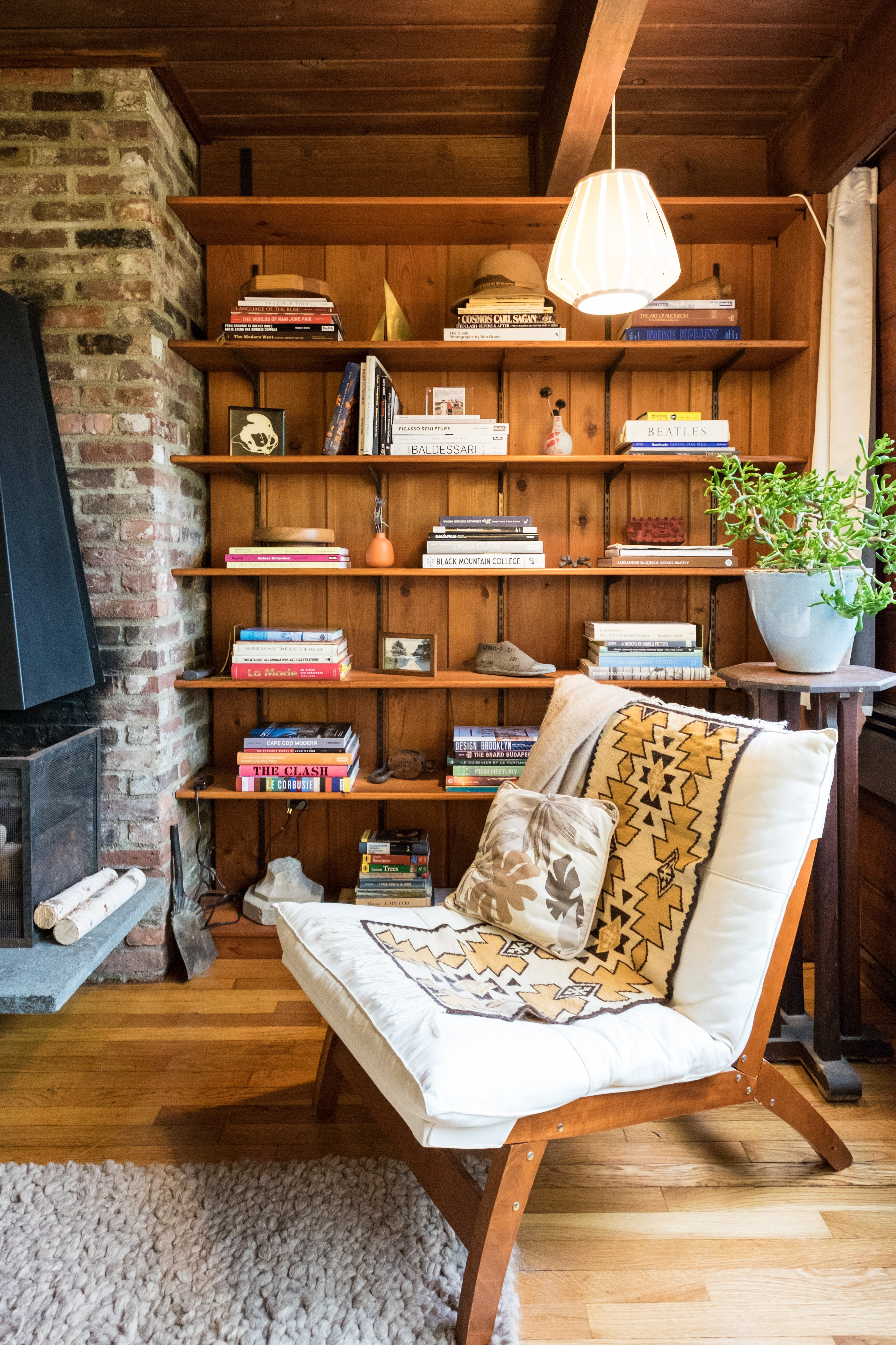 Living Room Walls Wood Panels: Drop The Paint Brush: Wood Paneling Is Officially Cool