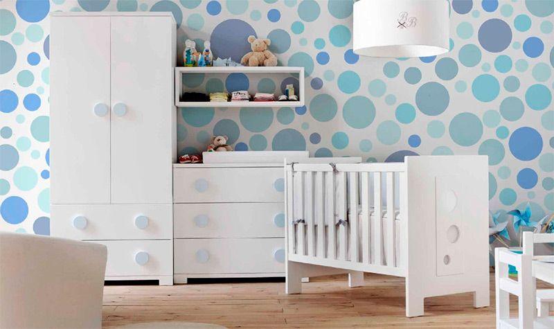 Habitación infantil con #cuna y detalles de círculos #bebés   Cunas ...