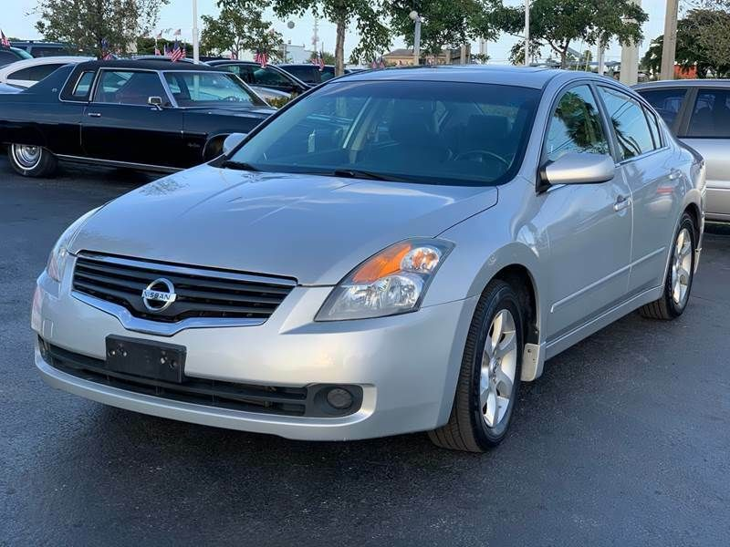 2008 Nissan Altima 2 5 Sl 4dr Sedan 2008 Nissan Altima 2 5 Sl 4dr Drives Awesome Leather Sunroof Florida Owned L K Nissan Nissan Altima Altima