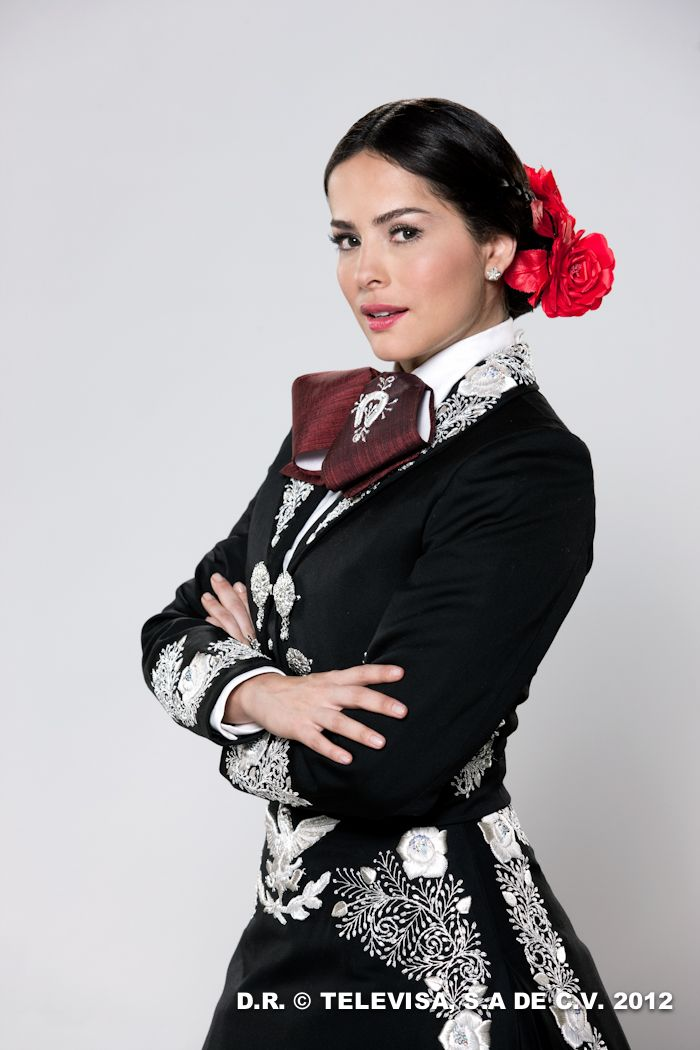 Que Bonito Amor Novela I Absolutely Love This Mariachi Outfit