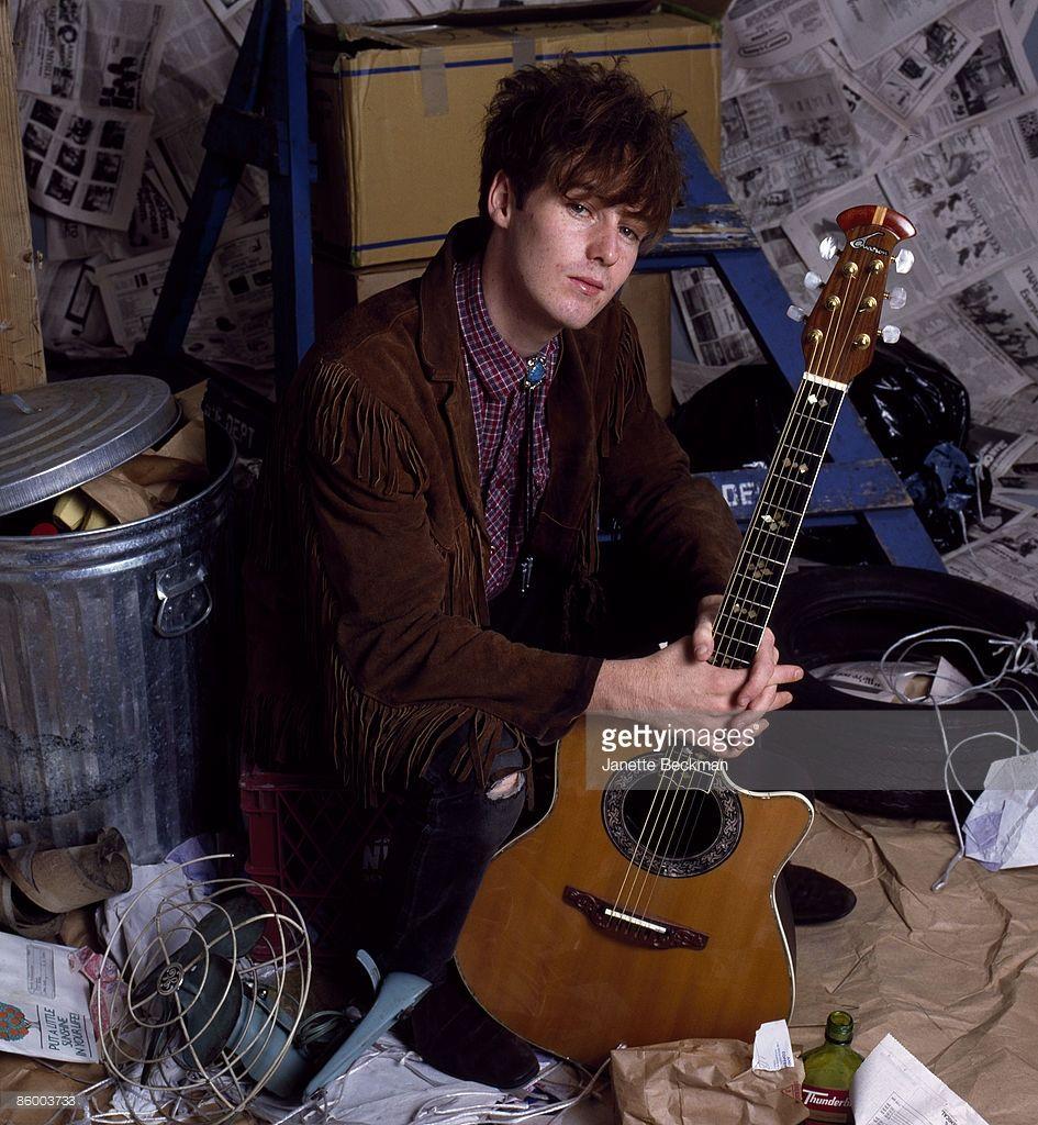 Studio portrait of Scottish singer and guitarist Roddy Frame from ...