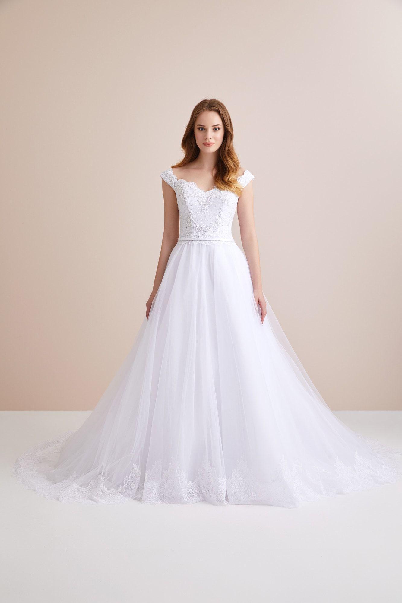 BR01855 Oleg Cassini in 2020 Ball dresses, Wedding