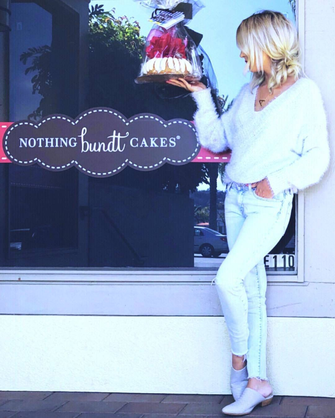 Nothing bundt cakes at endless summer bridal expo on aug