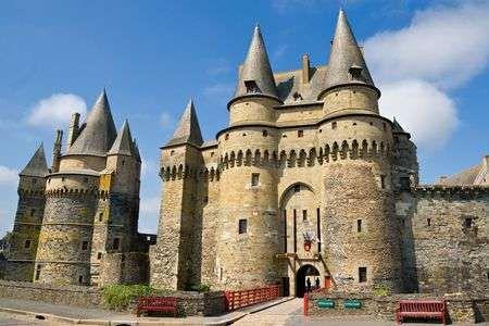 Kasteel van Vitr , Bretagne, Frankrijk is part of Vitre Frankrijk - 123RF  Miljoenen Creatieve Stockfoto's, Vectoren, Video en Muziek bestanden ter inspiratie voor al uw projecten