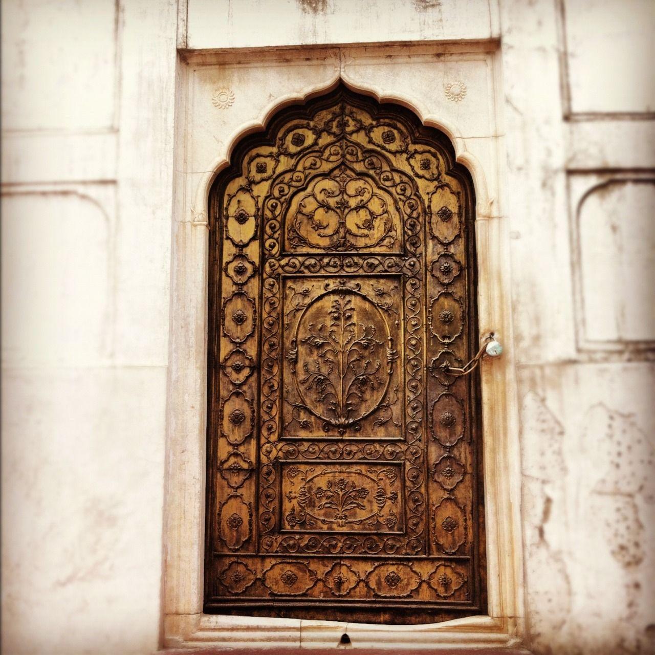 two-browngirls u201c Aurangzebu0027s door to the Moti Masjid. - S u201d & two-browngirls: u201c Aurangzebu0027s door to the Moti Masjid. - S ... pezcame.com