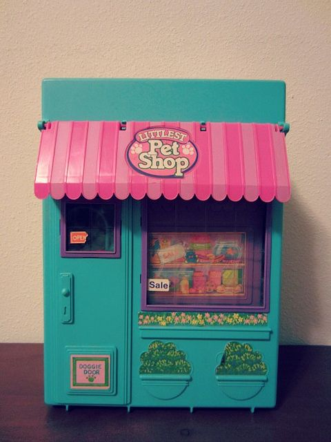 1990s Littlest Pet Shop Playset - Before they all got big bobble-like heads!