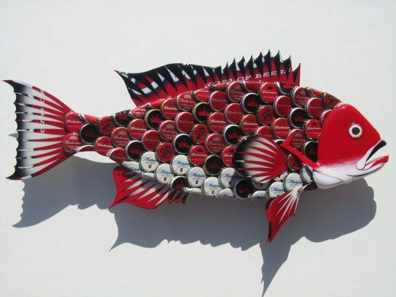 Art recycl bouteille cap poisson wall art rouge par for Poisson rouge plastique