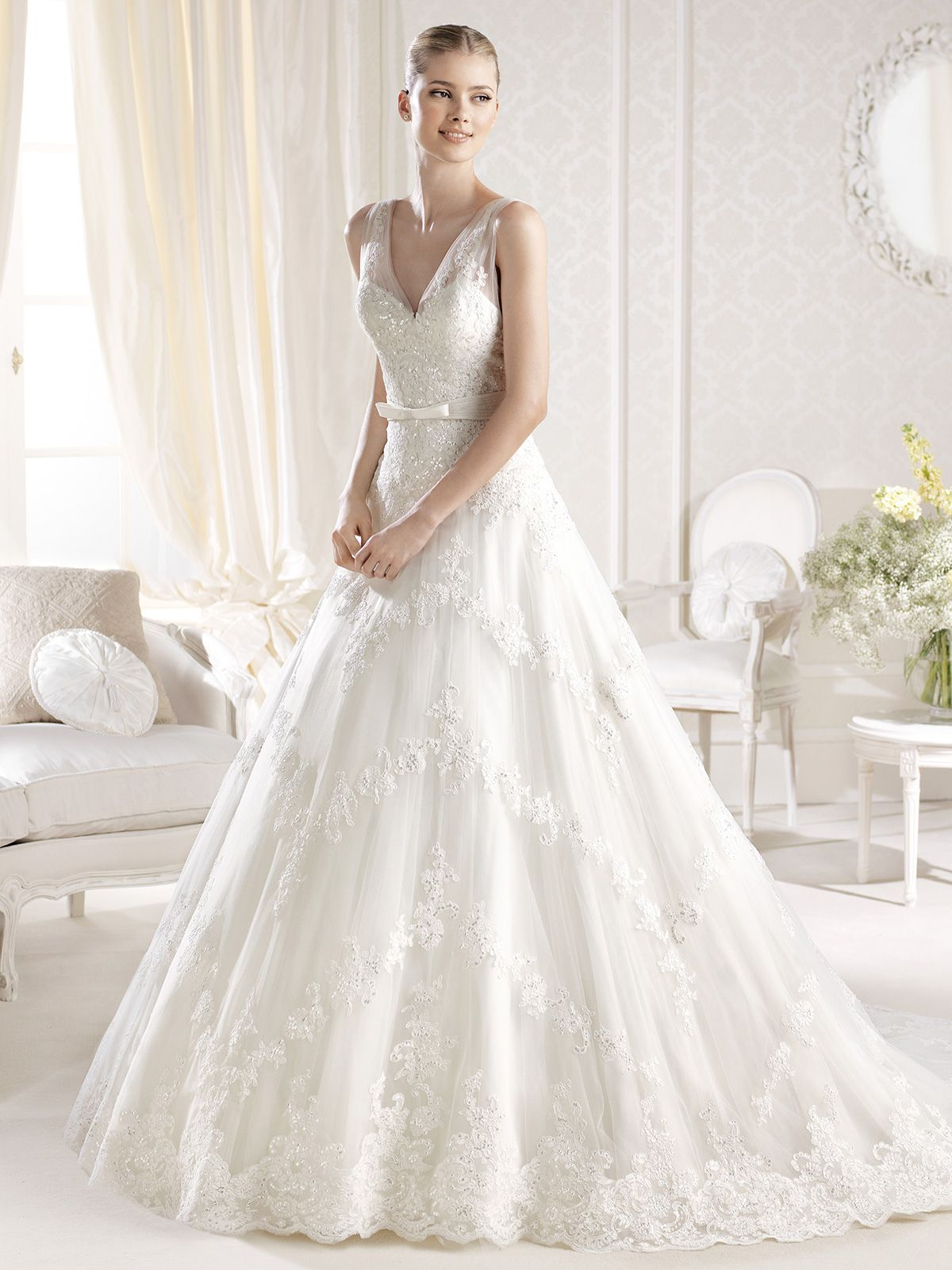 Sleeveless VNeckline La Sposa Wedding Dress Ildaura A