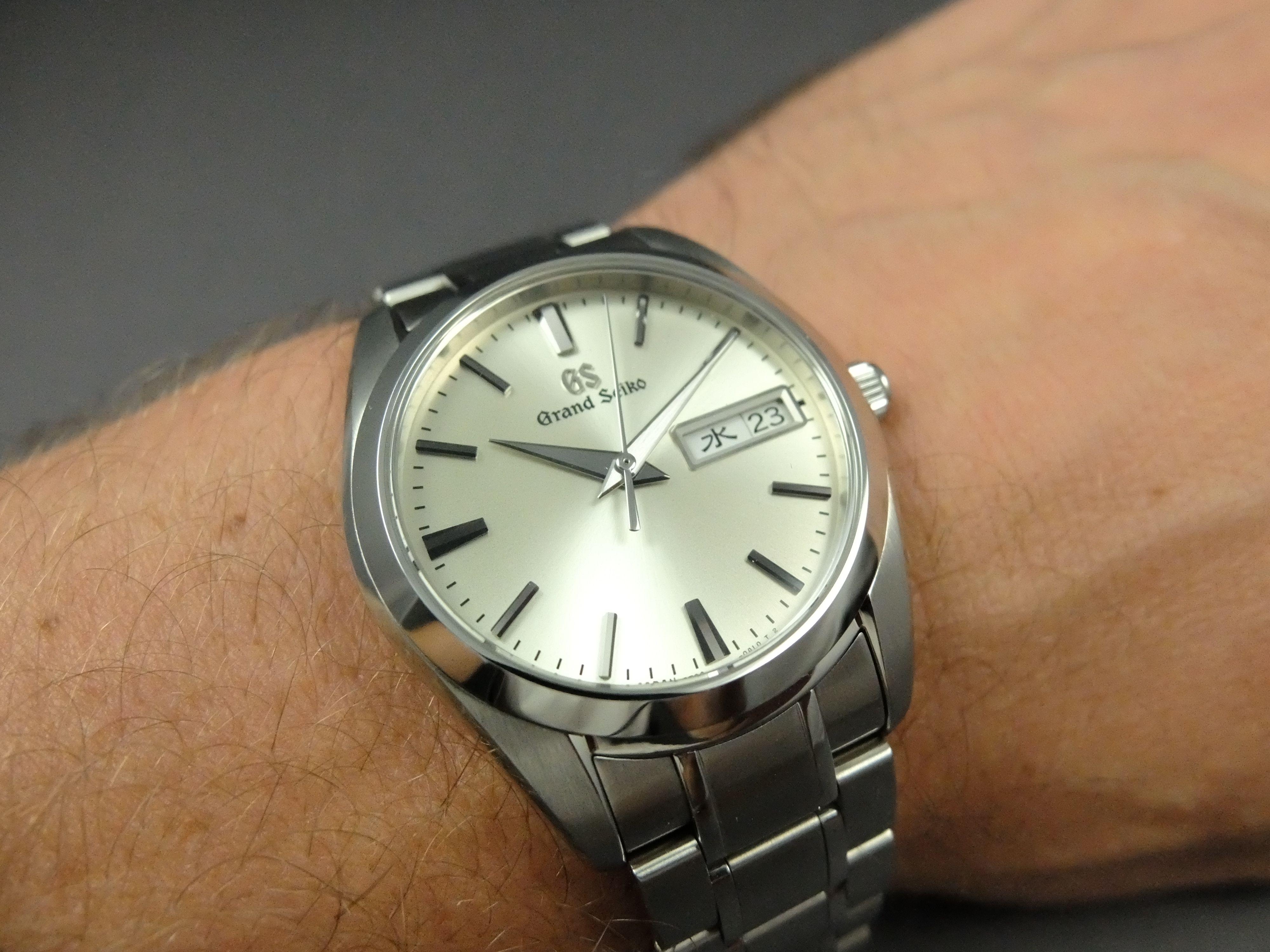 premium selection 4e643 4bdfe Grand Seiko GS SBGT235 wristshot HEQ 9F83-0AH0 day date ...