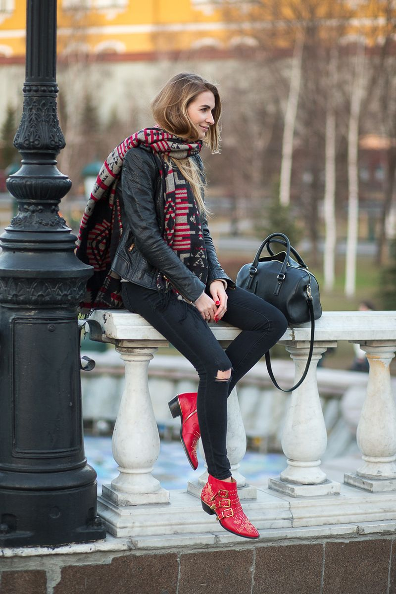 Maria Kolosova's red boots add a cool pop of color (Moscow 2015)