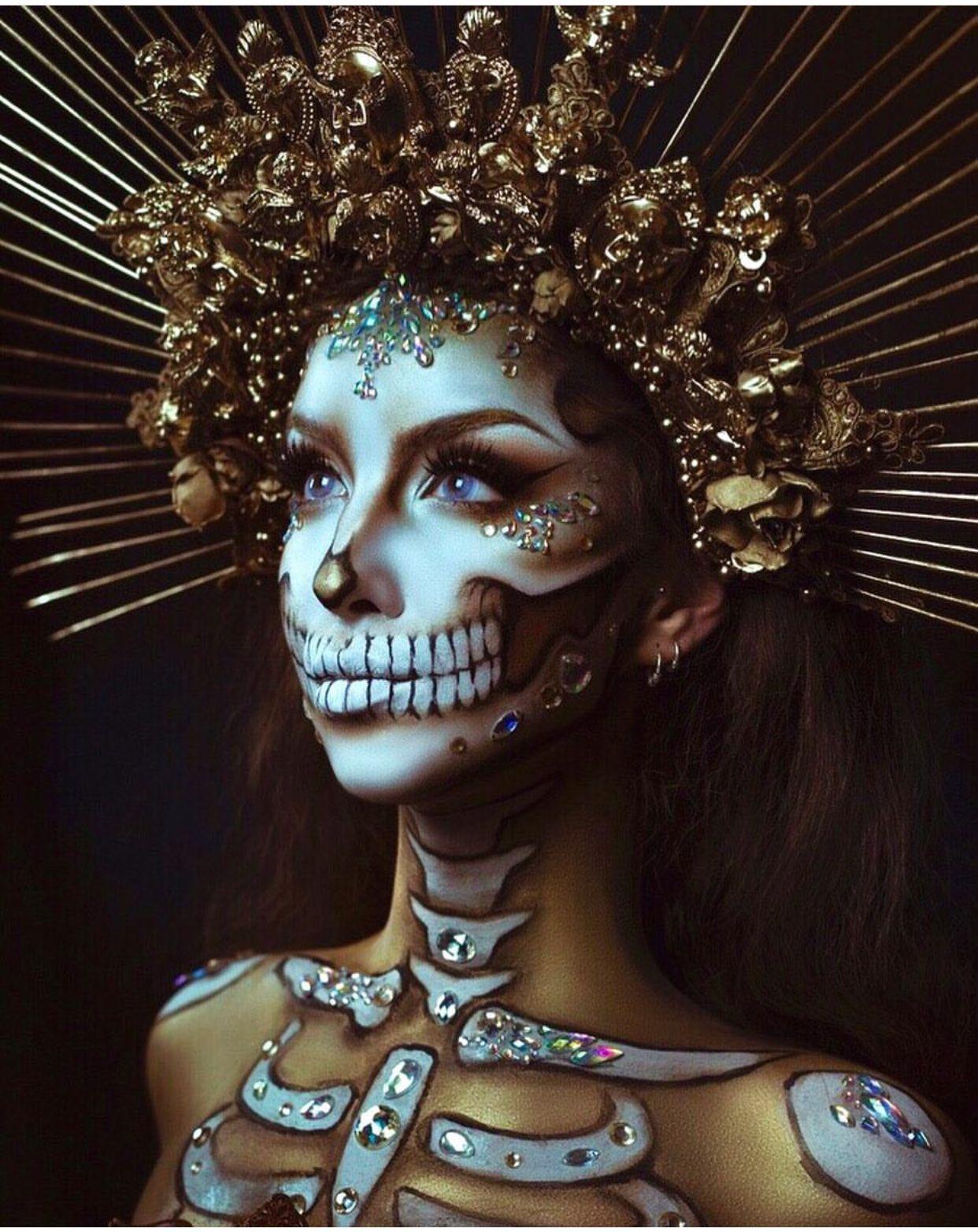 Pin en Disfraces y Maquillaje Artístico