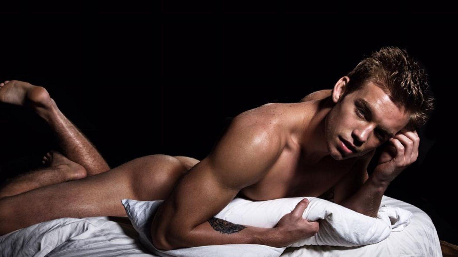 Naked america s next top model men