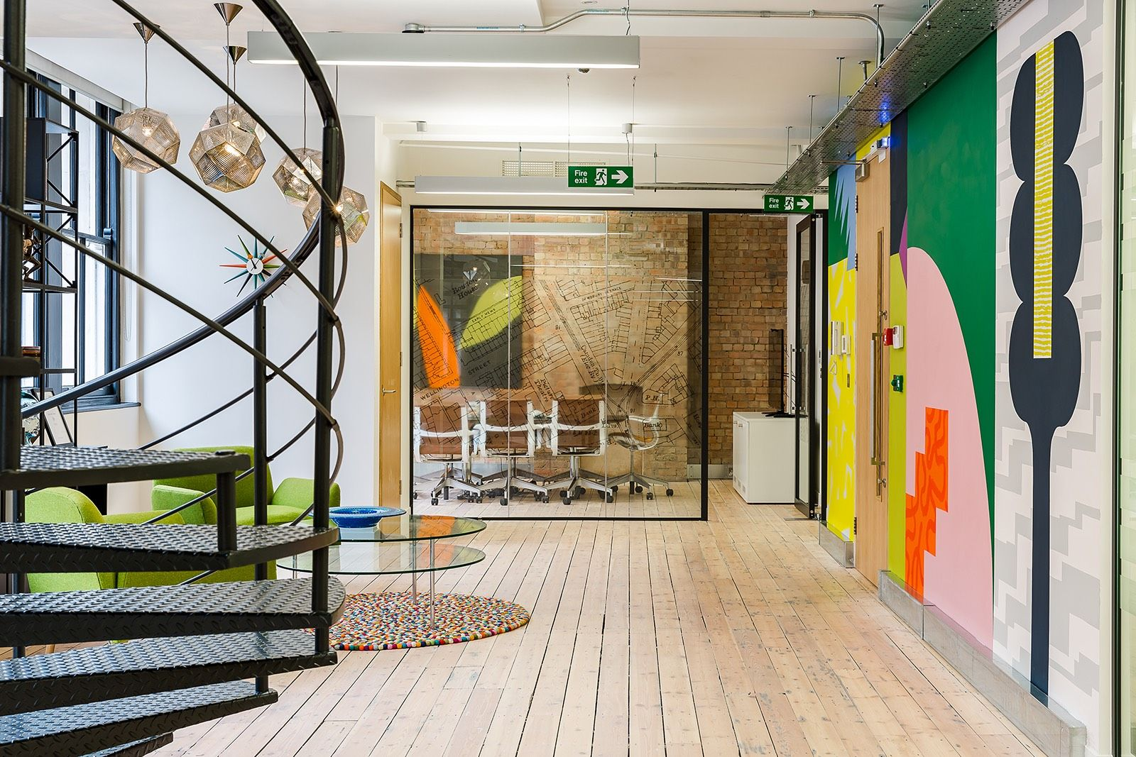 A Tour Of Omidyar Network S New London Office Startup Design Office Design Office Interiors